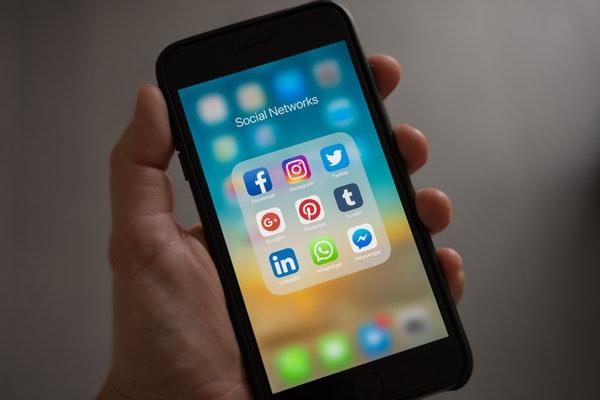 social media posts that sell